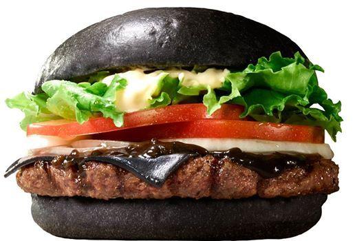 Японский Burger King продает черные гамбургеры