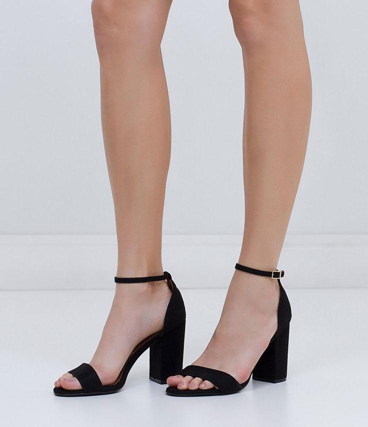 Sandália feminina    Material: sintético    Salto grosso    Marca: Vizzano…