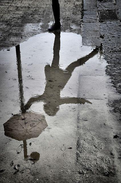 #parapluie #flaque #reflet                                                                                                                                                      Plus