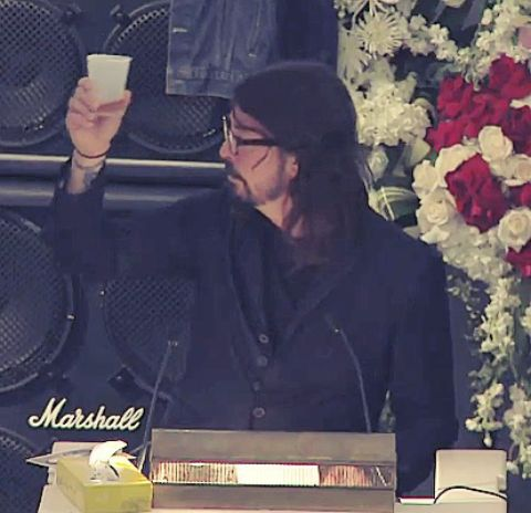 For Lemmy, Dave ghrol gives a toast after his speech.