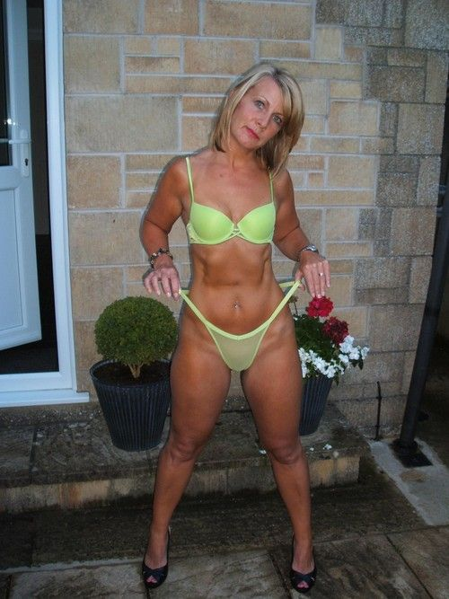 Mature poolside blonde nudes