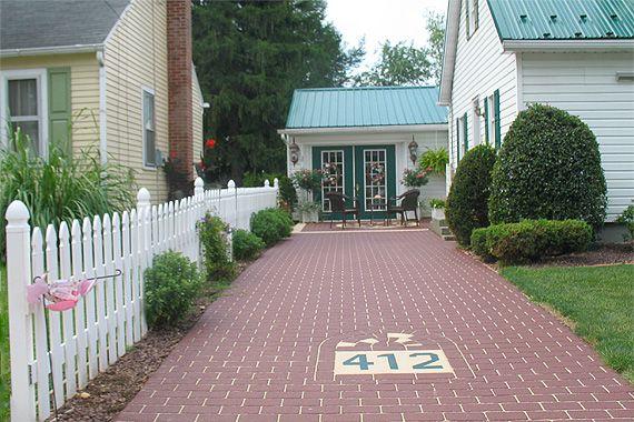 The 25 best asphalt driveway ideas on pinterest asphalt for Can i paint asphalt driveway