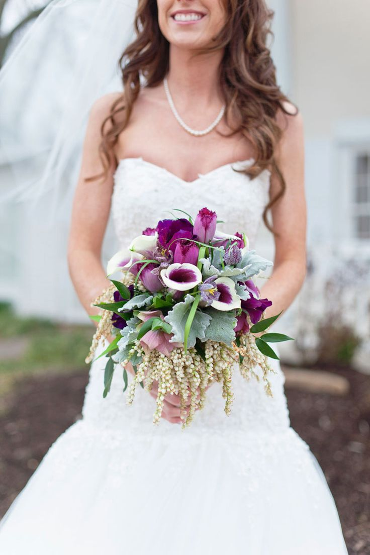 Need some Wedding Flower Tips for keeping the cost down? Read these Floral Tips for Smaller Budget Weddings from Rose of Sharon on SMP's LBB Blog:  http://www.stylemepretty.com/2013/11/13/6-floral-tips-for-smaller-budget-weddings-from-rose-of-sharon | Photos by Photo Love