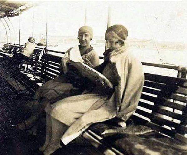 Şirket-i Hayriye Vapuru ve zamanı yavaş yaşayan kadınlar (1930'lar) #istanbul #istanlook #birzamanlar #oldpics