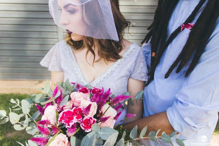 Blog Aliança Rebelde - Tamires Araújo Fotografia - Casamento a dois - Elopement - Vestido de noiva cinza - Maquiagem de noiva - batom preto - casamento alternativo