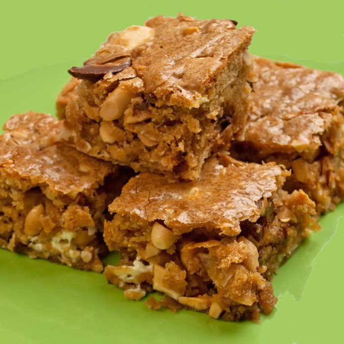 Chewy Gooey Congo Bars (Blondies on Steroids) from TheLunaCafe.com