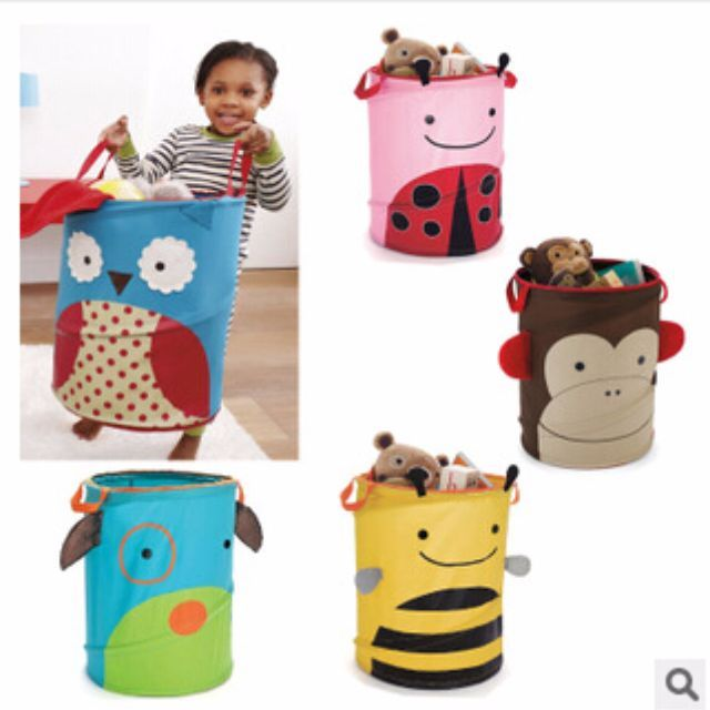 Our hamper pops up in an instant to help organize your toddler's room; use it to collect clothes, toys and more! Zoo friends encourage little ones to clean up on their own, and the lightweight fabric makes it easy to tote from room to room. When not in use, the hamper collapses to fit in tight spaces, under the bed or in a closet.Signature Zoo charactersGrab-and-go-handles Packs flat when not in useOrganize clothes, toys
