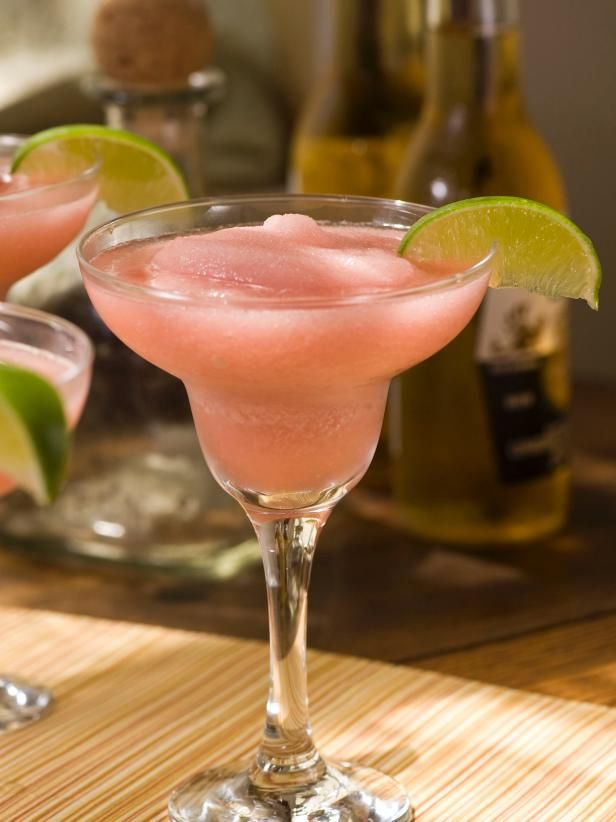 """The entertaining experts at HGTV.com share a summer cocktail recipe for a Frozen """"Texas Twister"""" drink."""