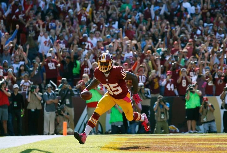 Eagles vs. Redskins:     October 16, 2016   -  27-20, Redskins  -    Washington Redskins tight end Vernon Davis scores a touchdown in the first half of an NFL football game against the Philadelphia Eagles, Sunday, Oct. 16, 2016, in Landover, Md.