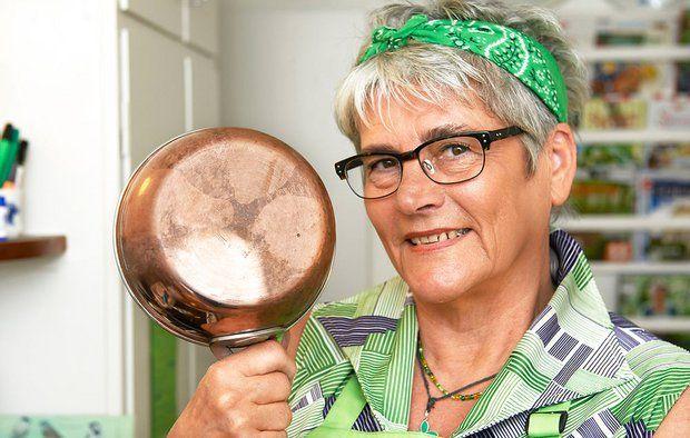 Bolius' rengøringsekspert Fru Grøn har vurderet nogle af de mest udbredte husråd om at bruge madvarer til rengøring, og her er hendes vurdering. Foto: Tommy Verting