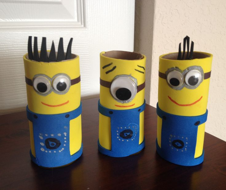 Crafts Made From Paper Towel Rolls: DIY Minions With Toilet Paper Rolls :)