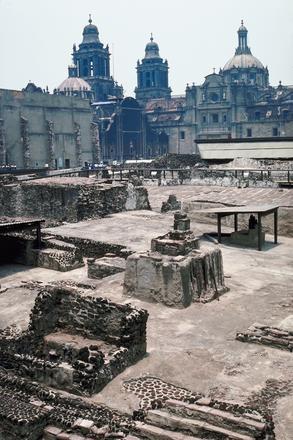 Vestigios arqueológicos del Templo Mayor de Tenochtitlan.  Cultura mexica, período Posclásico tardío. Centro Histórico de la Ciudad de México.