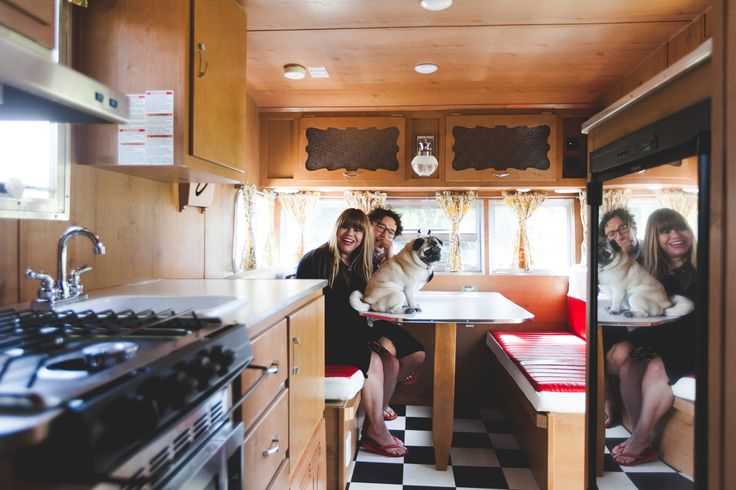 Inside our Shasta • Shasta on the road - vintage Shasta - retro Shasta - Shasta airflyte - traveling - road trip #shasta #shastaairflyte #lambad4 glamping