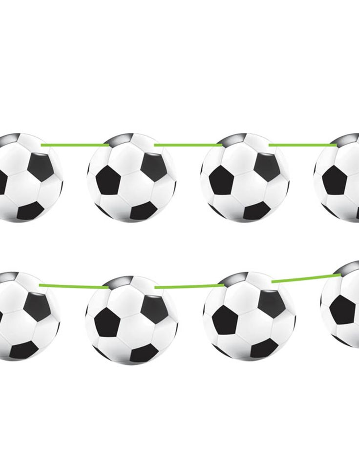 Voetbal slinger: Deze slinger is ongeveer 10 meter lang en bevat 15 kartonnen afbeeldingen van een voetbal. Elke afbeelding heeft een diameter van 22 cm en is bevestigd aan een groen lint.Voor een...
