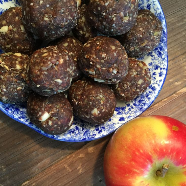 Bite size balls that pack a BIG protein punch! Swwwweeeet!