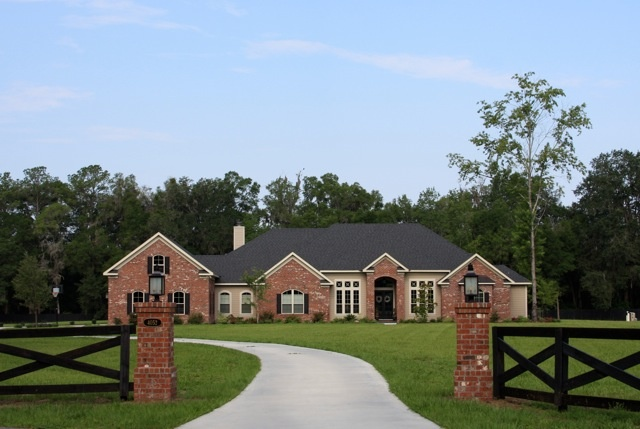 17 best images about entry gates on pinterest fence for Driveway addition ideas