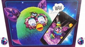 """Играем с Ферби на планшете. Обзор приложения Furby Boom Crystal Series http://video-kid.com/14066-igraem-s-ferbi-na-planshete-obzor-prilozhenija-furby-boom-crystal-series.html  Полный обзор игры на планшете с приложением Фёрби Бум Кристалл (Furby Boom Crystal)  и интерактивной игрушкой Ферби  (Зелёно-голубой) от производителя Hasbro 2014. Ссылка на приложение: Игрушка предоставлена интернет-магазином """"Игрульки от Ирульки"""": Специальное приложение для Ферби, которое выпускается для IOS и…"""