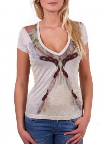 """Tigerhill T-Shirt """"Baretta"""" natur melange    Ein wunderschöner All Over Druck! Man erkennt zwar nicht was genau dieser Print darstellen soll, aber es ist schön. Das sieht sogar jeder Blinde!  Ideal für Leute, die auf symmetrische Kunst stehen.  Der tiefe weite V-Ausschnitt betont deine feminine Figur.        V-Neck      kurze Ärmel      All Over Print      schlanke Passform      leicht transparentes Material      Farbe: natur melange      Material: 100% Viskose"""