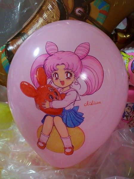 I want a Sailor Moon birthday party with balloons! ❤ I have no idea where you can buy these, though.