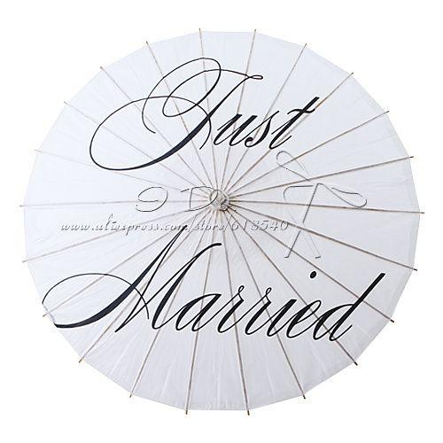 trasporto libero 84 cm just married dipinta carta parasole per fotografie di matrimonio decorazione di nozze ombrello di carta(China (Mainland))