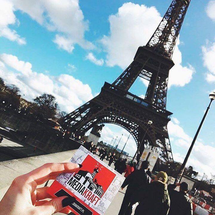 Dziękujęmy za cudowne zdjęcie @welcomedomson  A Wy gdzie planujecie podróż w najbliższym czasie? #mediakraftpolska#mediakraft#biuru#paris#biuruontour#paryż#travel#travelgram#travelpost#vsco#vscocam#vscotravel#webstagram#statigram by mediakraftpolska Eiffel_Tower #France