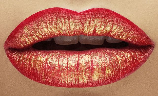 red and gold lips