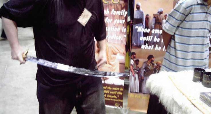 "Muslim Arrested in #Ferguson Threatened to Behead Critics Like ""Bitch"" Daniel Pearl"