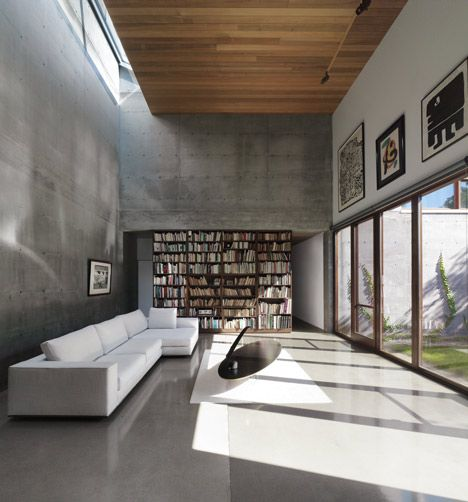 La Maison Beaumont by Henri Cleinge Architecte - It would be interesting to try and recreate this patchy concrete