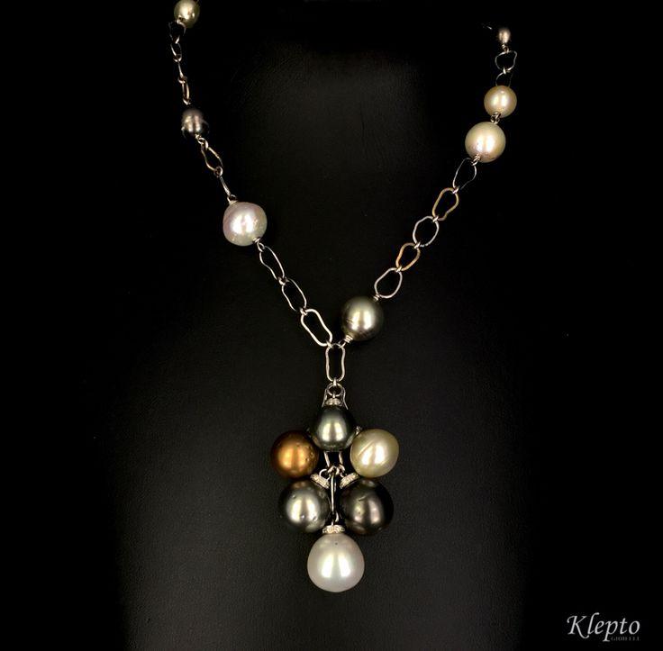 Collana in oro con catena realizzata a mano e perle coltivate Australiane e Polinesiane. Pezzo unico.