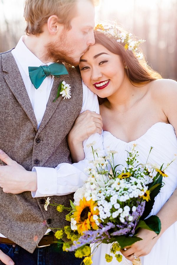 DIY gold and green spring wedding | Heather Chipps Photography on @glamourandgrace via @aislesociety