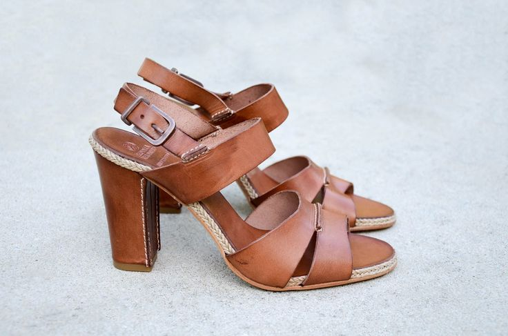 Enjoy the summer with this lovely sandal by Fred de la Bretoniere.