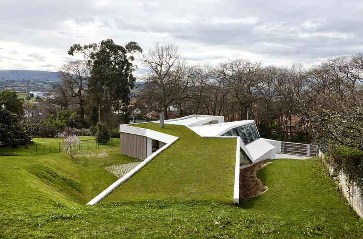 LARA RIOS HOUSE: Cubierta Verde : Industrial style houses by miba architects