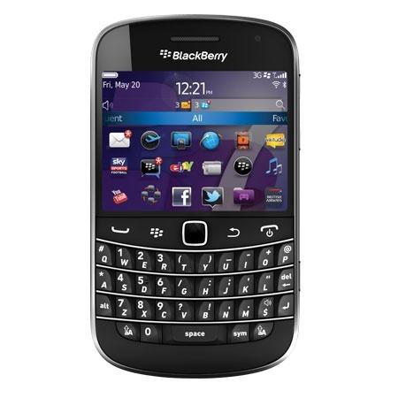 #BlackBerry Bold 9900 #Mobilephones #Technology, este armatoste me estorbaba donde lo pusiera :/ , aunque era muy rápida y me encantaba el jueguito de palabras que traía