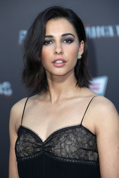 Naomi Scott(London, England) Height: 5'6