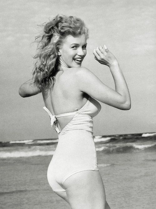 that body. Oh, MarilynMarilyn Monroe, Real Women, Long Islands, At The Beach, Marilynmonroe, Photos Shoots, Norma Jeans, Fashion Pictures, Nature Beautiful