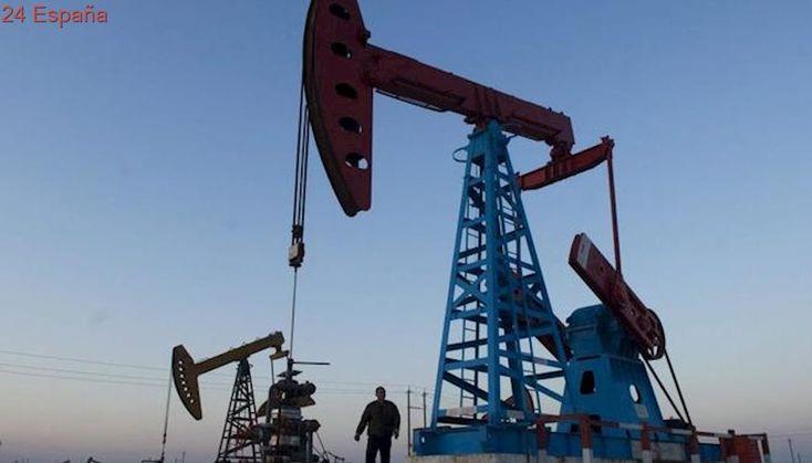 La OPEP y sus aliados deciden mantener los recortes de producción hasta finales de 2018