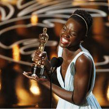 В Лос-Анджелесе состоялась 86-ая церемония вручения наград Американской киноакадемии «Оскар». Церемонию вела комик Эллен ДеДженерес (Ellen DeGeneres), по ходу вечера успевшая побить рекорд Twitter по числу ретвитов своего ...
