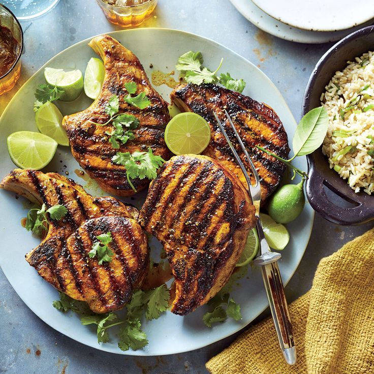 Tumeric is the trending seasoning of the year. Its subtle flavor notes brout the best in this simple pork chop recipe. We love that the side dish reciprecookedbrownrice by adding fresh lime juice and cilantro. You'll love the pork chop, but it may be the rice side dish that you make again and again, as it pairs perfectly with a variety of dishes, ranging from Spanish to Asian. Opt for bone-in for k           Turmeric Pork Chops with Green Onion Rice