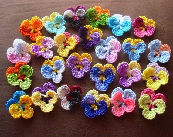 Crochet Pansies: Crochet Flowers, Crochet Ideas, Crochet Pansies, Crafty, Crosses Stitches, Things, Flowers Appliques, Flowers Ideas, Crochet Knits