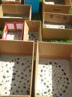 Zememt in Kartons für Stufen / Kartendeko theArtisticFarmer: Handmade Stepping Stones - SUCH a good idea!!