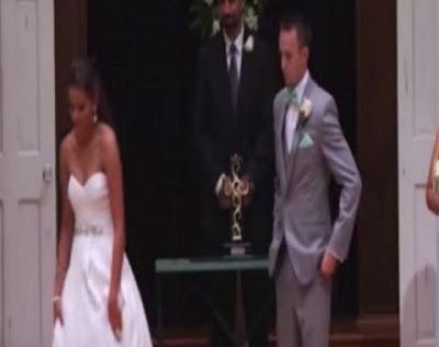 Προσέξτε καλά τα χέρια της νύφης           -            Η ΔΙΑΔΡΟΜΗ ®
