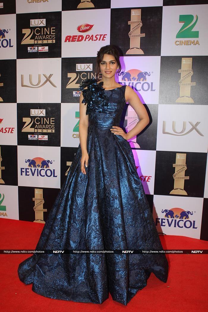 Heropanti actress Kriti Sanon glittered in blue.