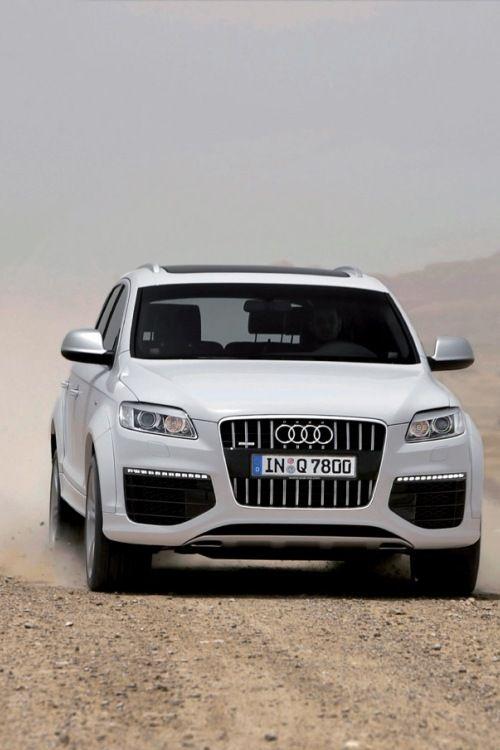 nonconcept:  Audi Q7 V12.