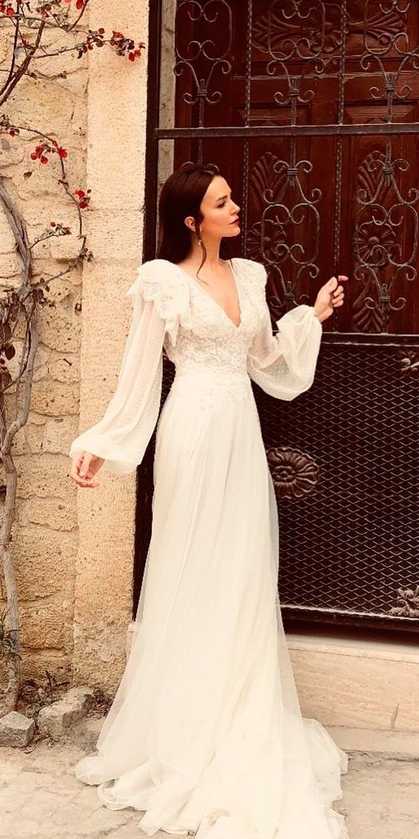 24 Vintage Wedding Dresses 1920s You Never See Wedding Dresses Guide Vintage Wedding Dress 1920s 1920s Wedding Dress Wedding Dress Guide