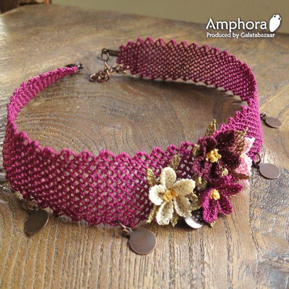 イーネ・オヤ刺繍針で作る繊細なレースチョーカー/小花のチョーカー・アカムラサキ