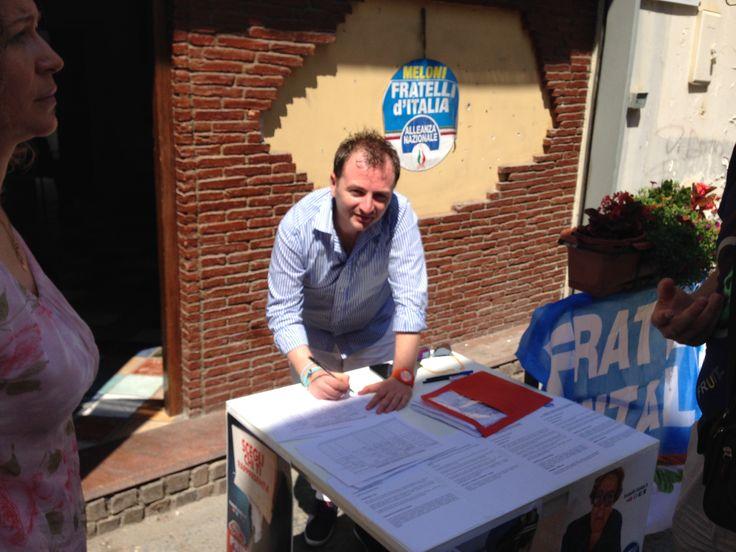 Banchetto petizioni