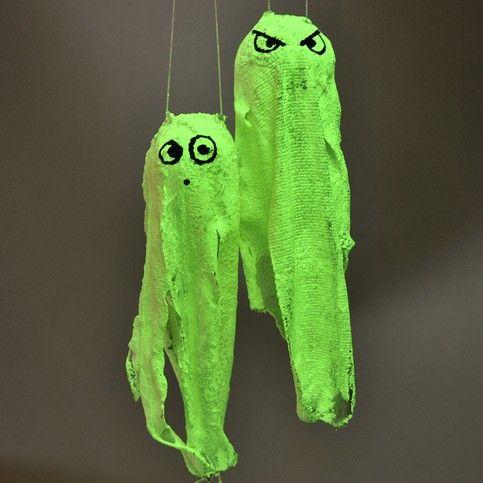 Spookjes voor Halloween. Verband, gips, glow in the dark verf