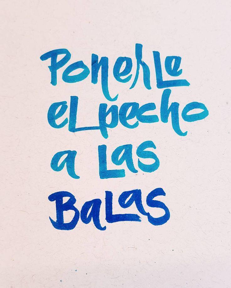 #APuroBrushpen con mis regalones pentel touch #LigaDeLetteringCL #calligraphy #letras #letterlina #catigraphy #brushpen #blue