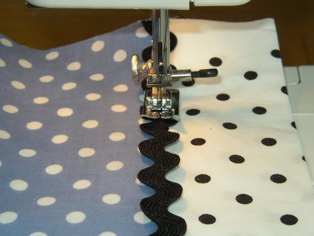 how to sew the rick rack