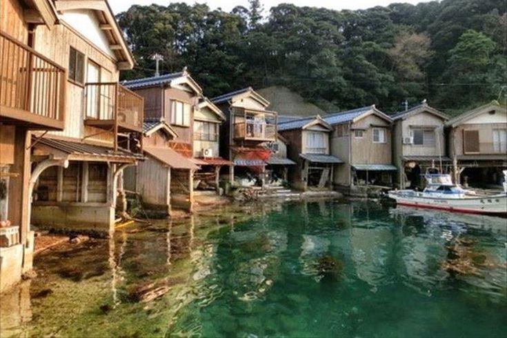 """出典:plus.google.com 海に寄り添う町、京都「伊根の舟屋」が""""日本にあるヴェネツィア""""だと、海外 […]"""